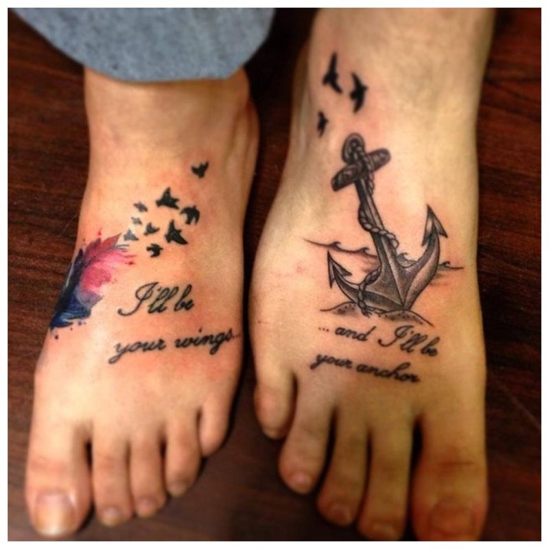 Tatuiruotė ant kojos porai