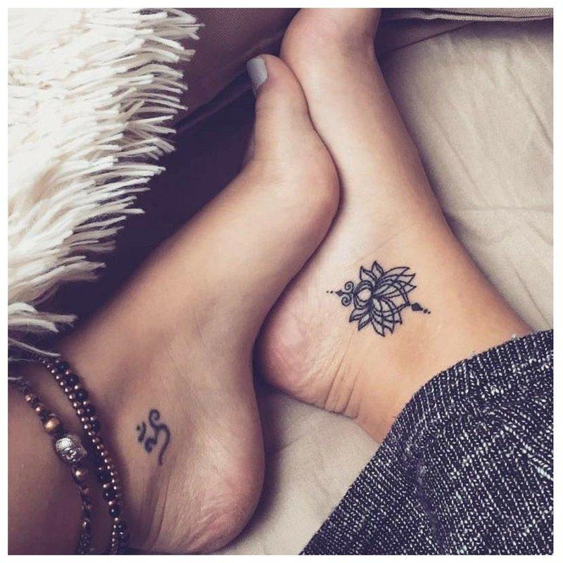 Suporuotos kulkšnies tatuiruotės