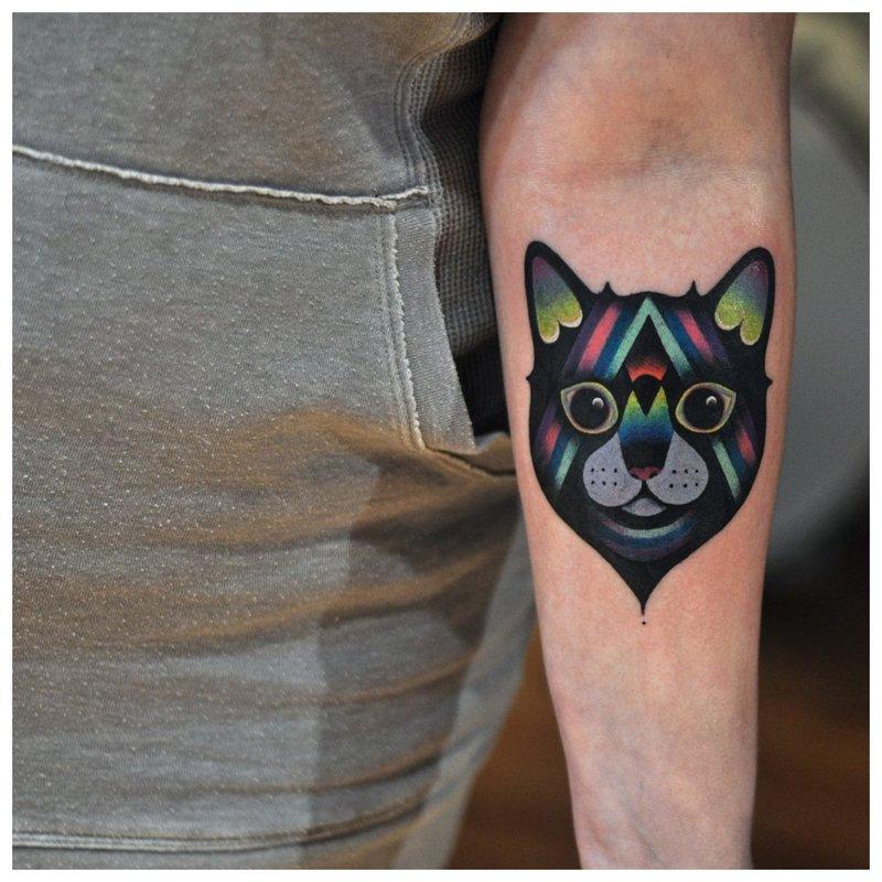 Katės mini tatuiruotė spalvos