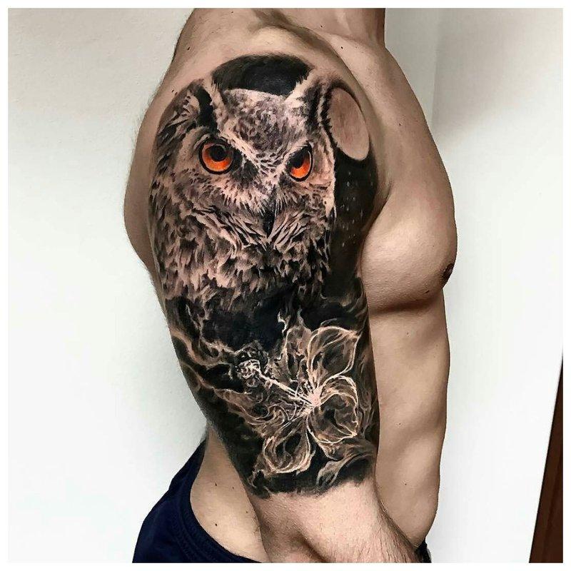 Pelėdos tatuiruotė ant peties