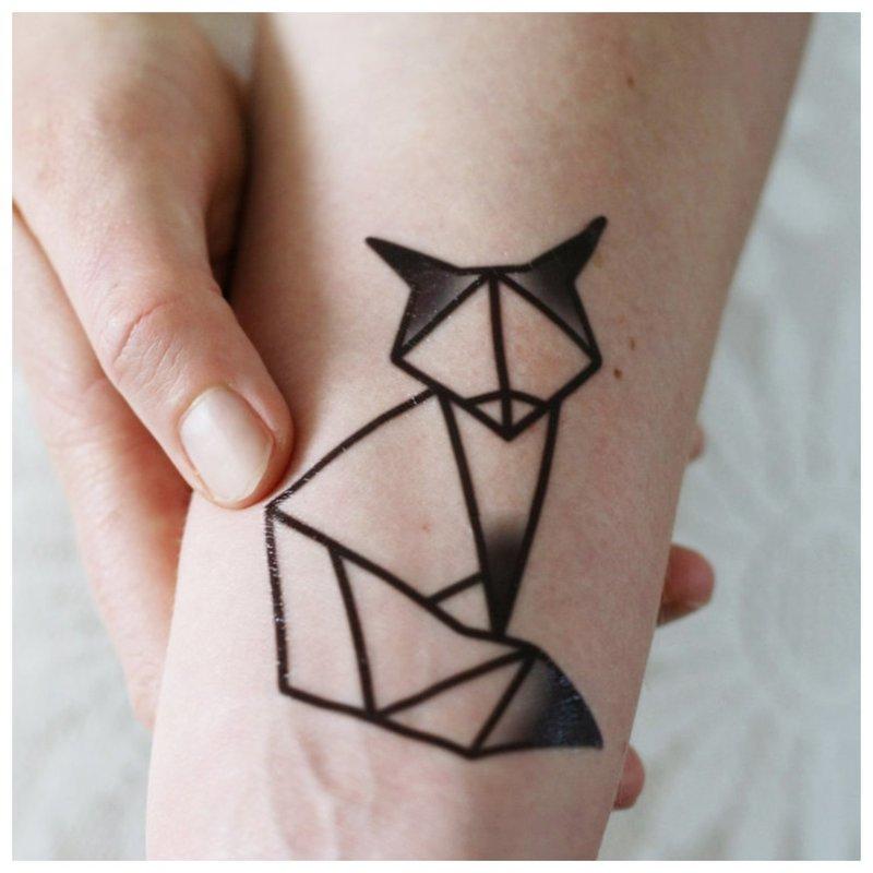 Lapės tatuiruotė