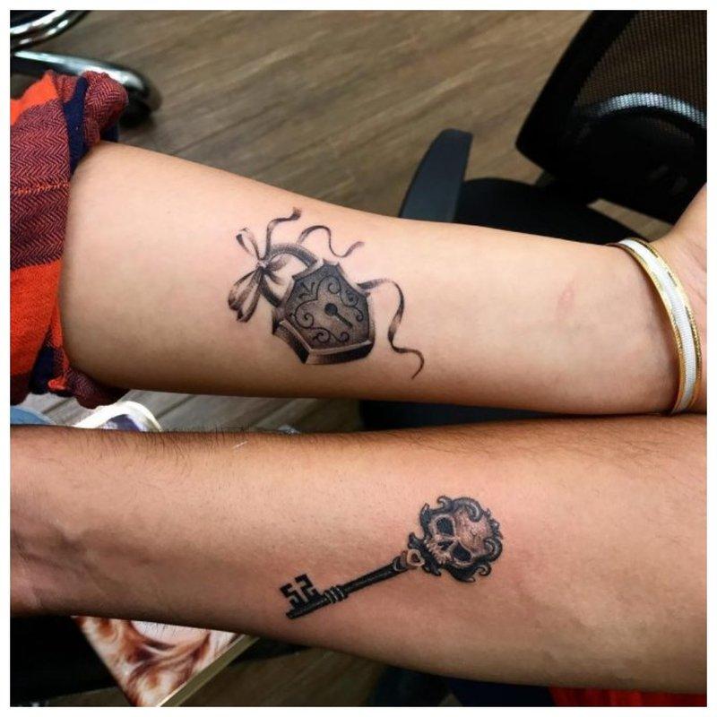 Simbolinė tatuiruotė porai