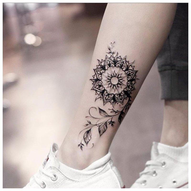 Etninės genties tatuiruotė