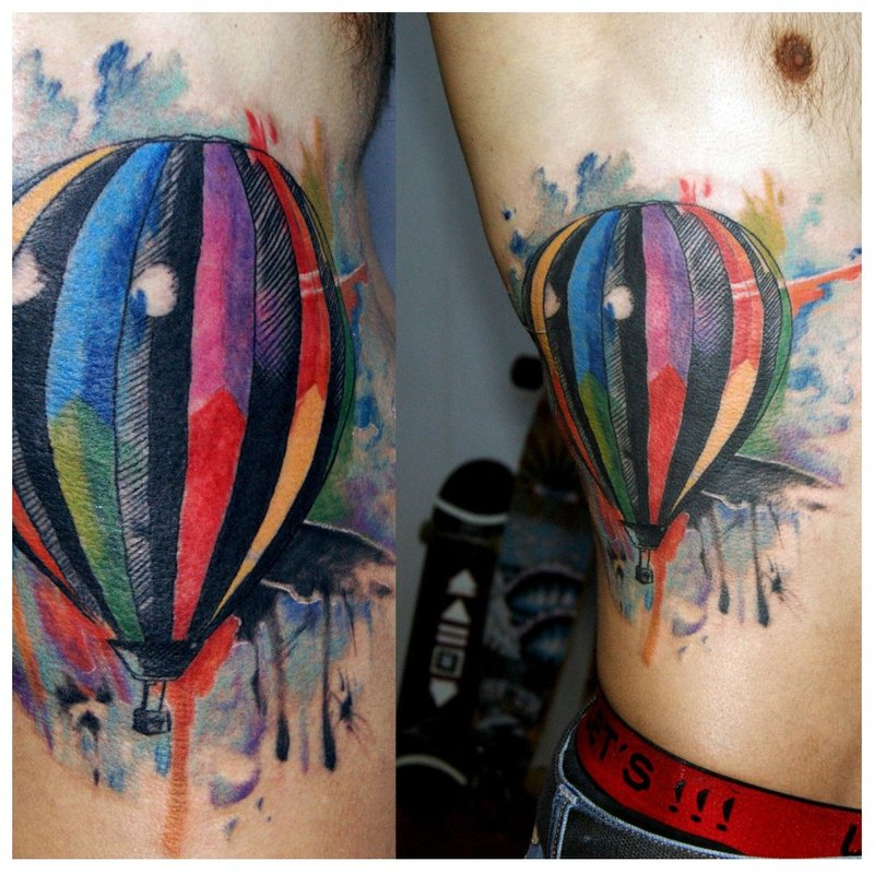 Akvarelės tatuiruotė baliono pavidalu