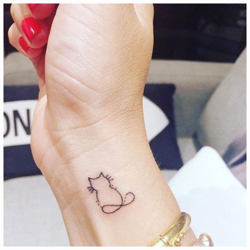 Gyvūnų tatuiruotės siluetas