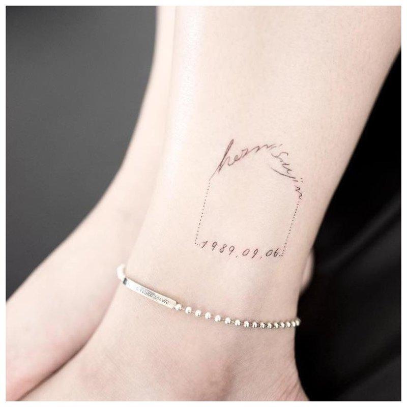 Tvarkingas užrašų tatuiruotė