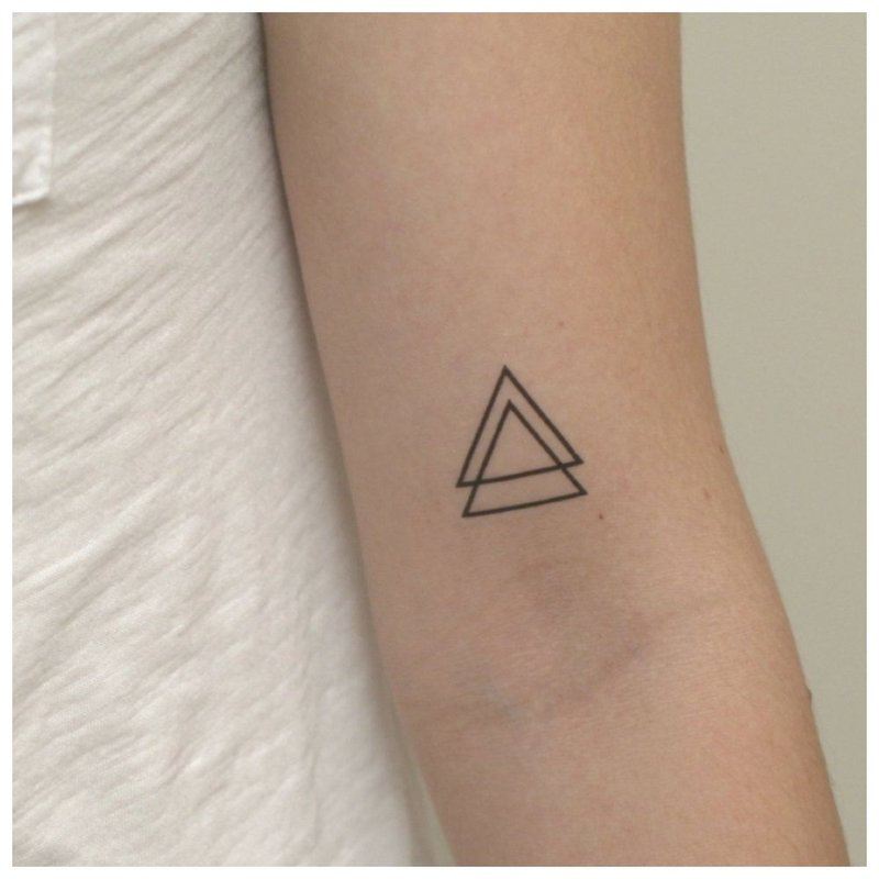 Trikampio tatuiruotė