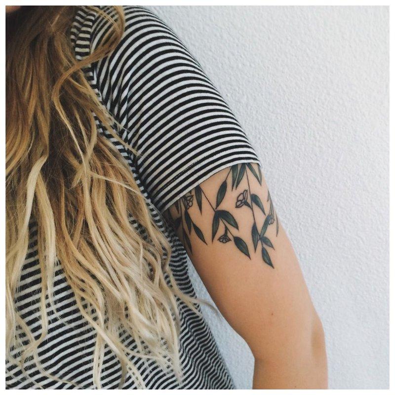 Lapų tatuiruotė