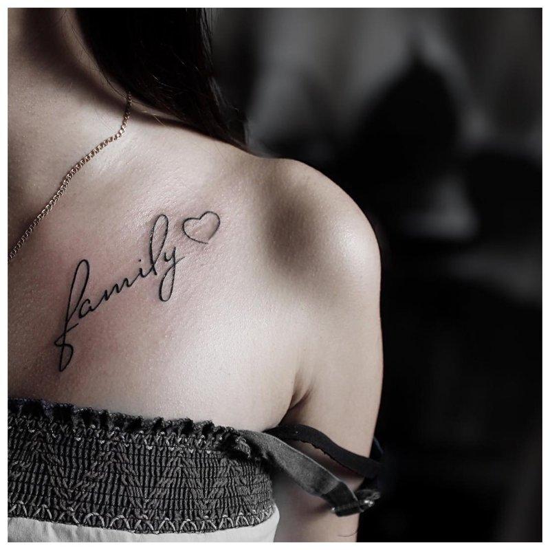 Clavicle tatuiruotė