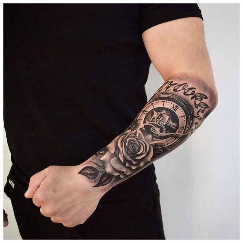 Tatuiruotė žiauriam vyrui ant rankos