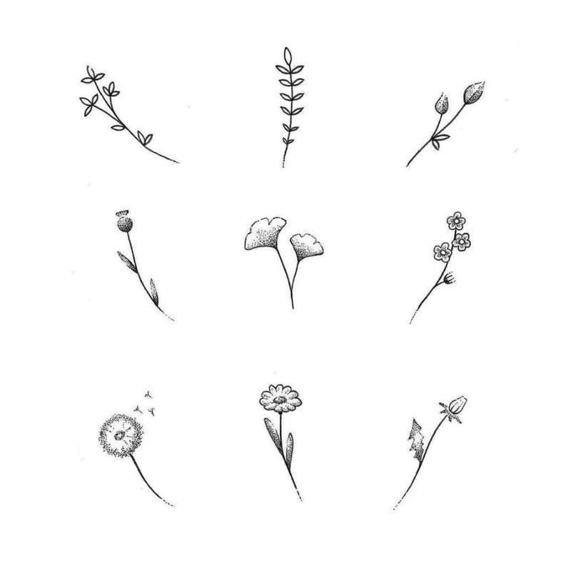 Gėlių temos, skirtos riešo tatuiruotėms, eskizams