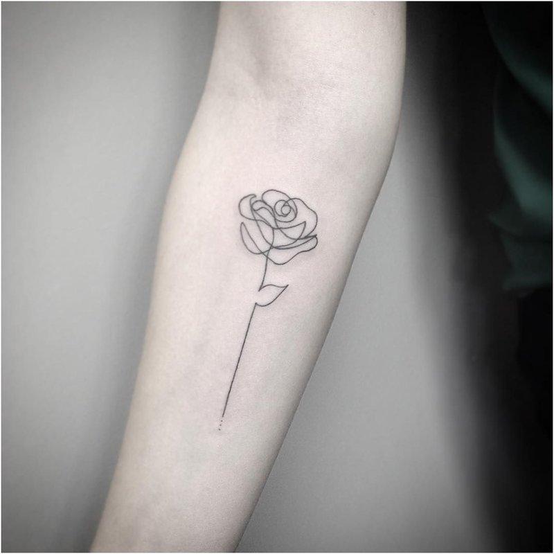 Rožė minimalizmo technikoje