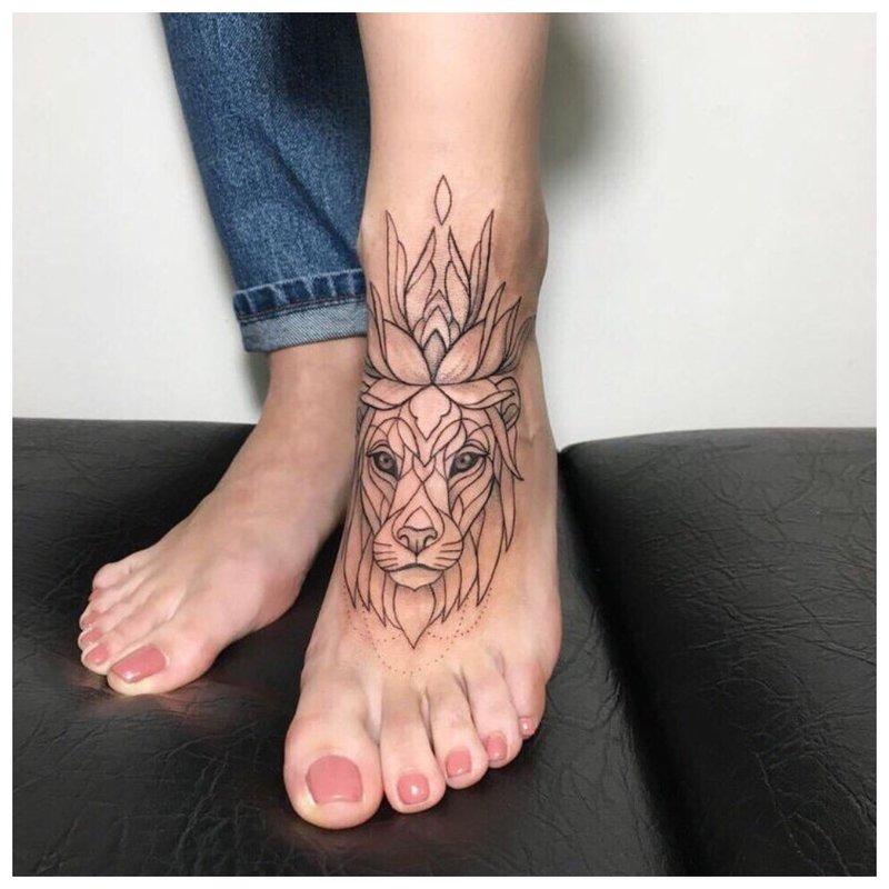 Linijinis tatuiruotė