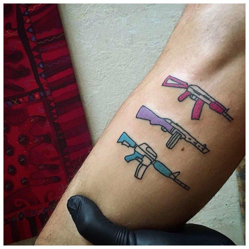 Pistolets de tatouage
