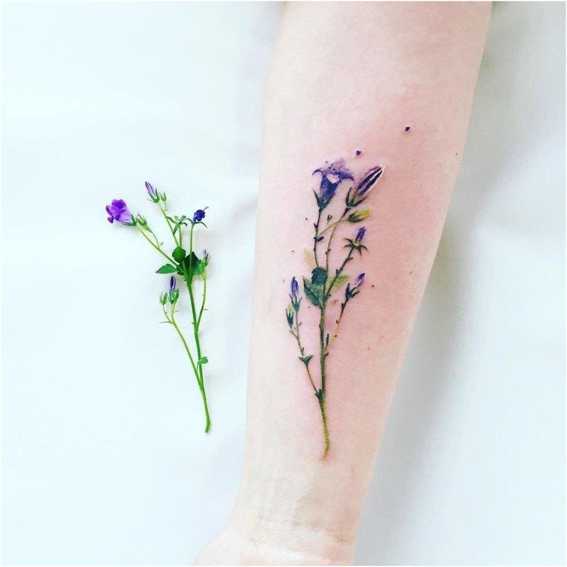 Akvarelės levandų tatuiruotės