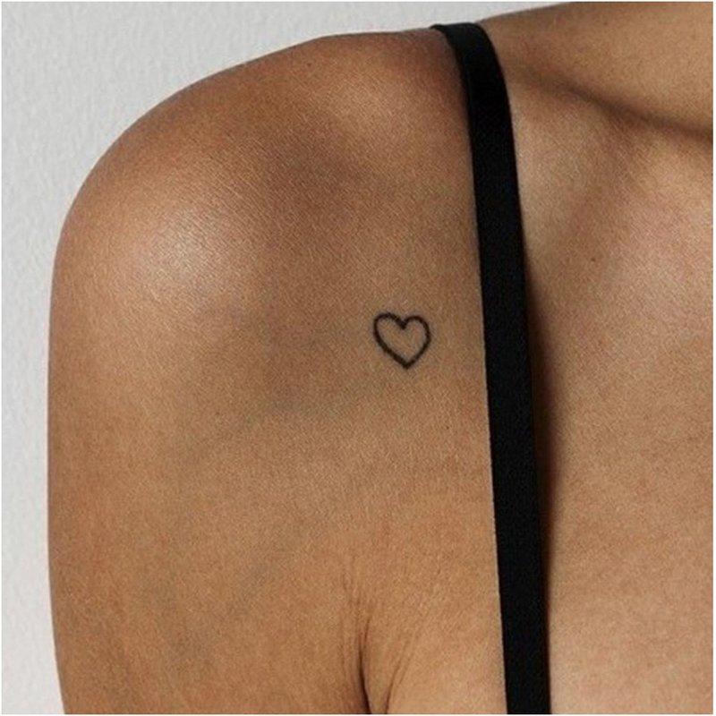 Mini širdies tatuiruotė