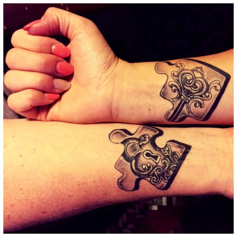 Galvosūkiai - įsimylėjėlių tatuiruotė