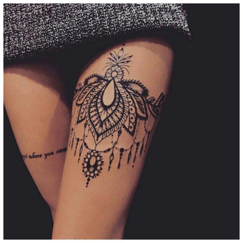 Rytietiška kojų tatuiruočių tema