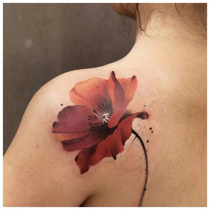 Aquarel poppy tattoo
