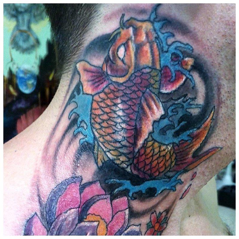 Oosterse nek tattoo