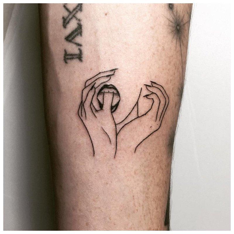 Hand Tattoo handen