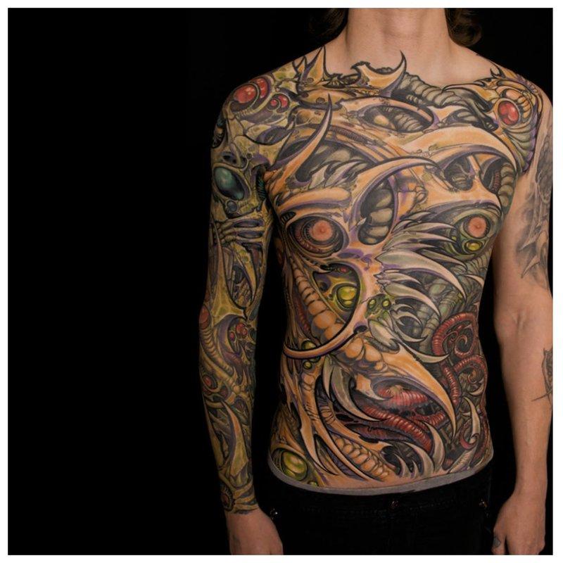 Viso kūno tatuiruotė