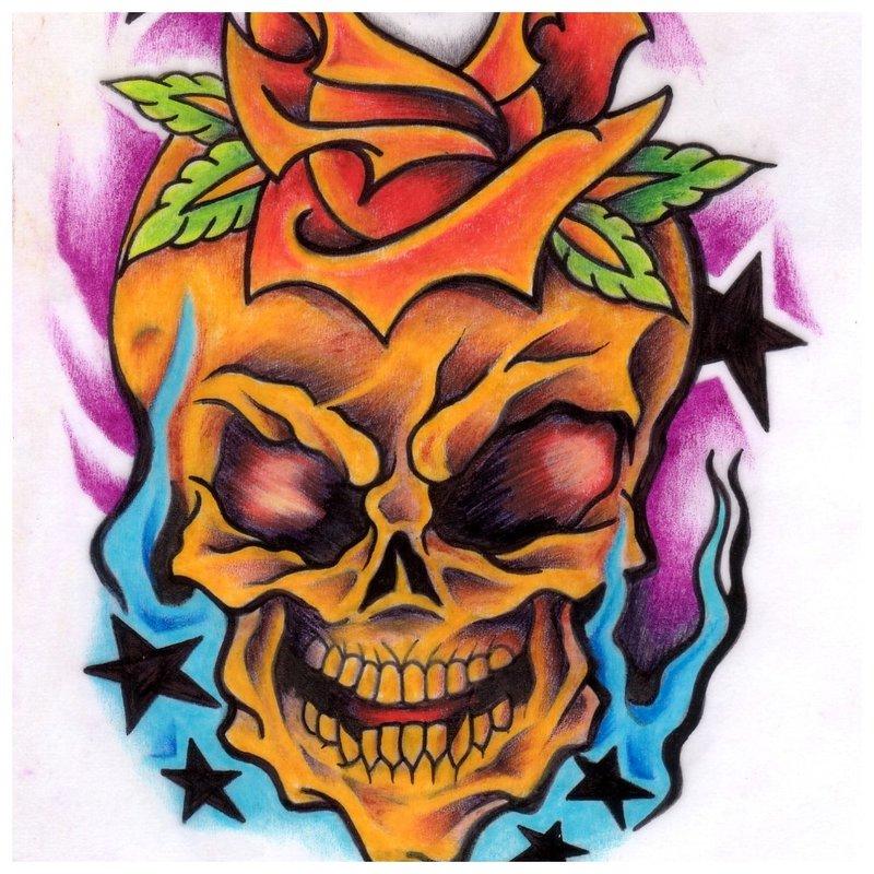 Kaukolė su spalvos rože