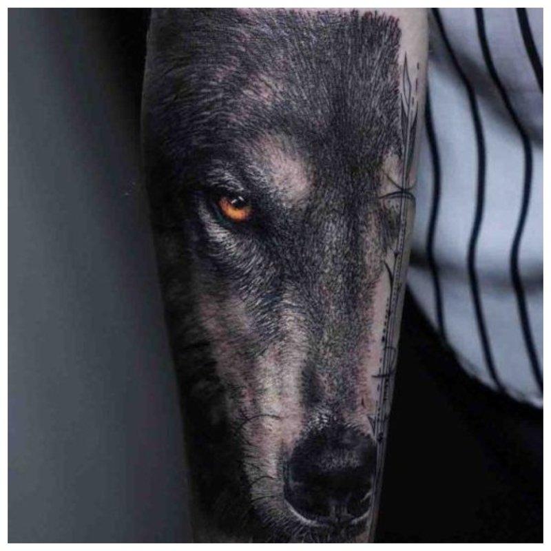 Wolf look - mannelijke tattoo