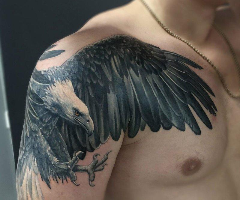 Erelio tatuiruotė ant peties