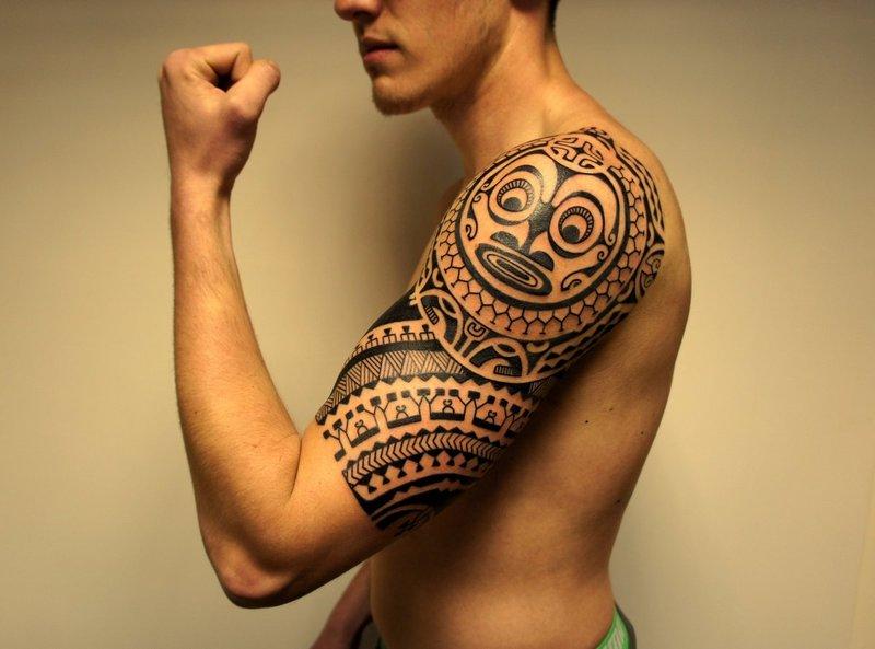 Juodojo peties tatuiruotė