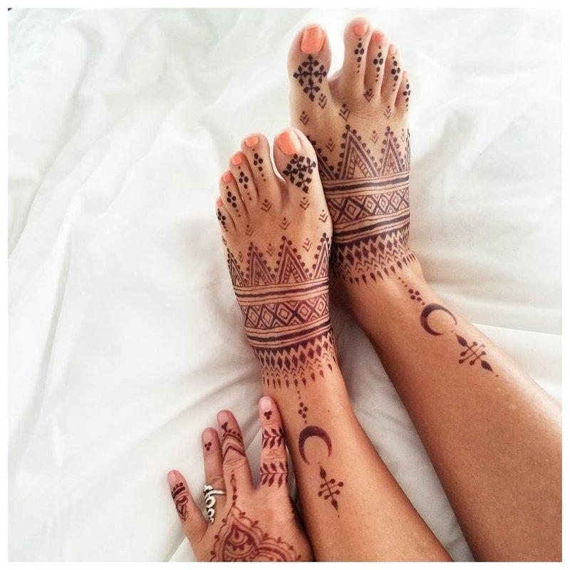 Mehendi tatuiruotė