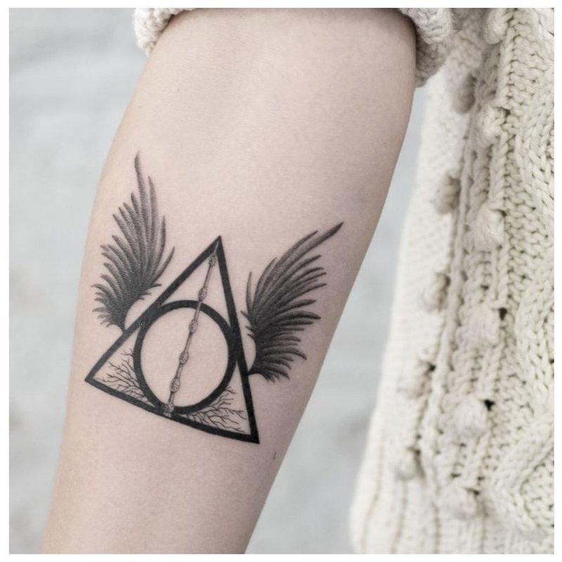 Minimalizmo tatuiruotė