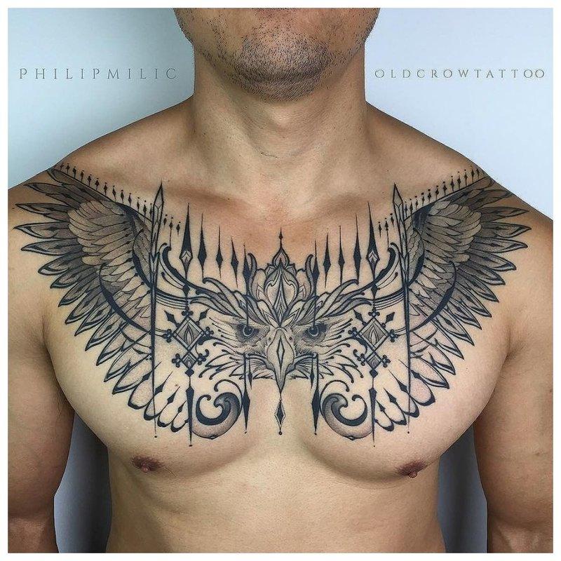 Dierlijke thema tattoo man borst