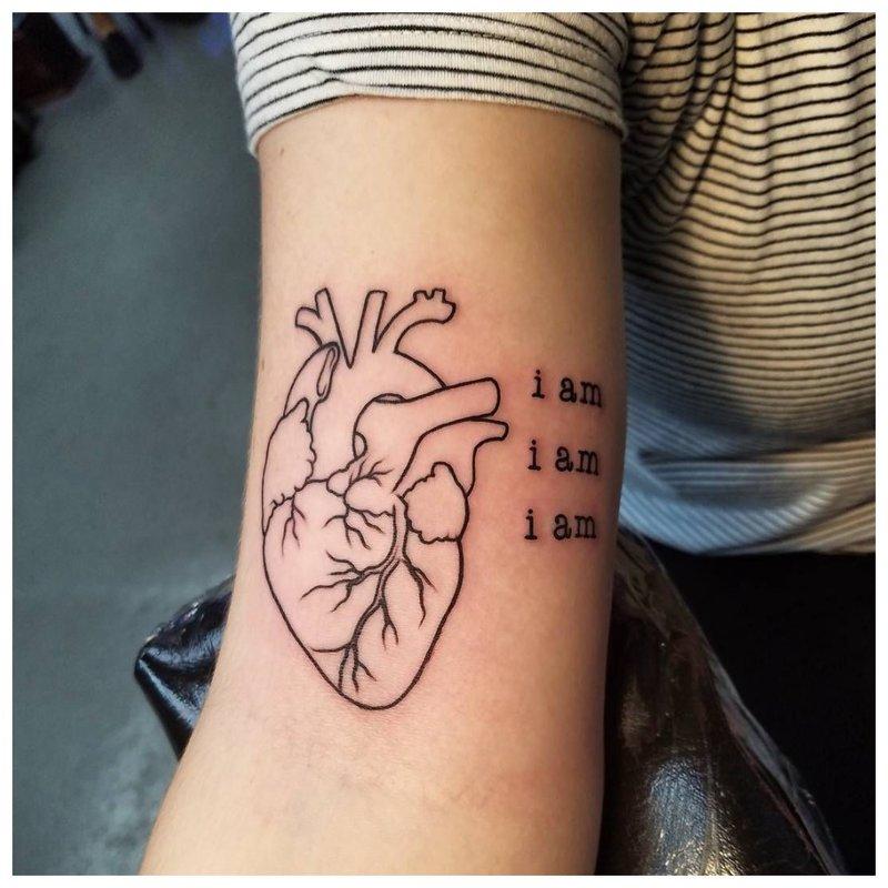Kontūrinė širdis su užrašu