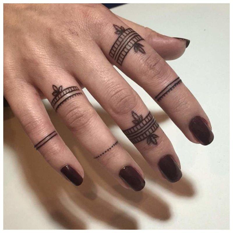 Piršto tatuiruotė