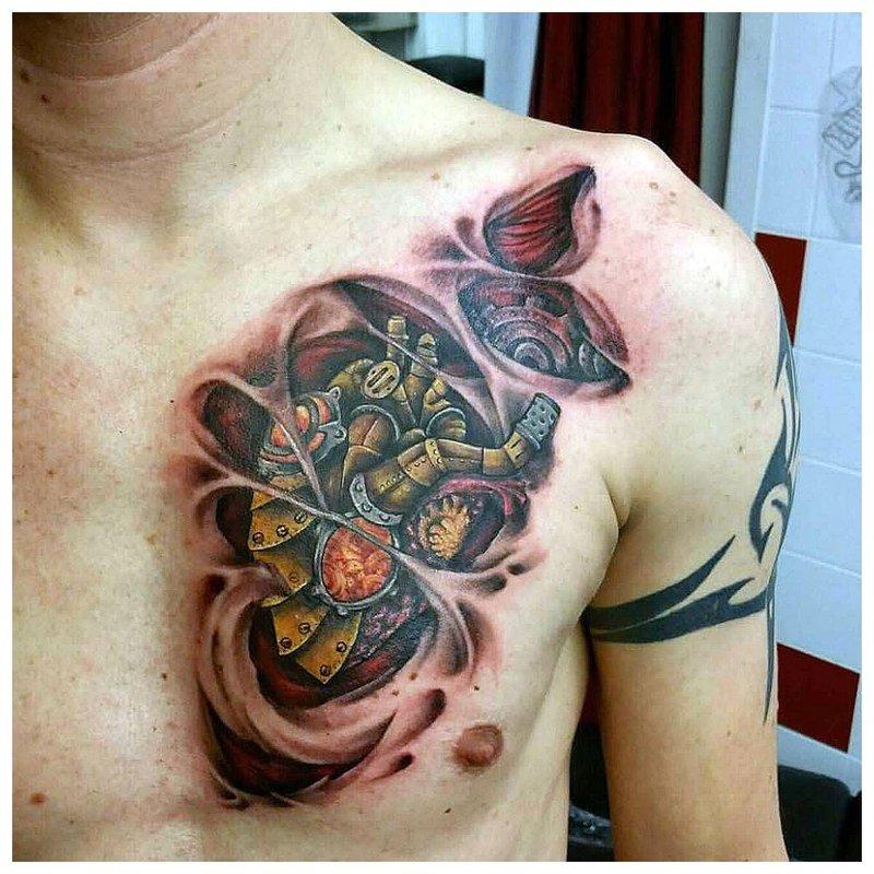 Cyberpunk-stijl tattoo op de borst van een man